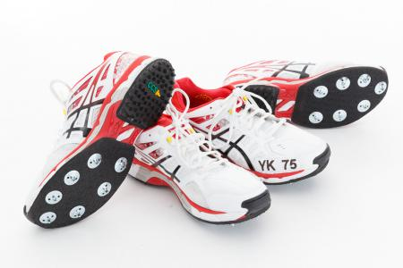 Asics 750XTR for Younis Khan from Pakistan